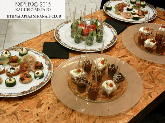 Γεύσεις σε σφηνάκια στο περίπτερο του Anais club